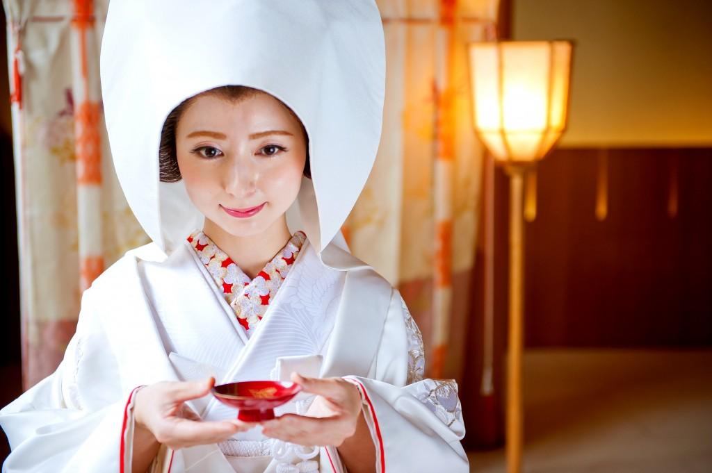 白無垢姿のご新婦様はドレスとは違った凛とした姿でお美しいです♡