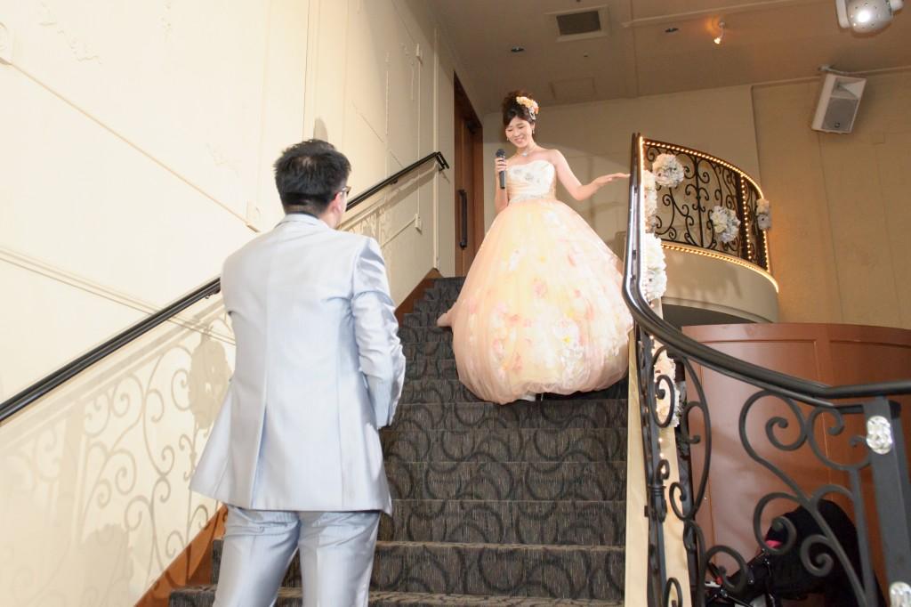 お2人大階段からの華麗な入場♡