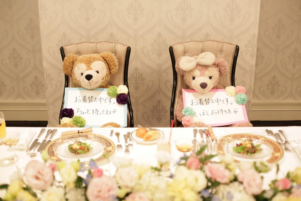 かわいい二人がお席を温めてくれています♡