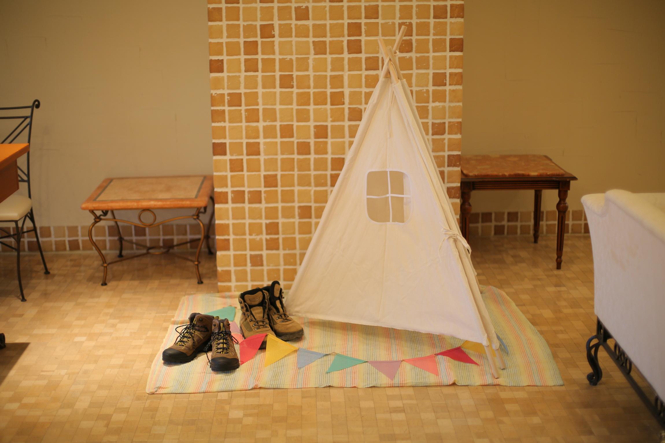 ゲストルームにテントを飾ればフェスの雰囲気に♪