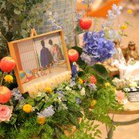 グリーンやお花、小物をたくさん使って装飾♪